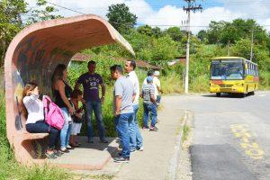 """""""Vereadores no Bairro"""" ouvem críticas ao transporte público em Gabriel Piza"""