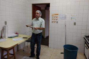 Vereador Alexandre Pierroni visita EMEI da Vila Aguiar e pede melhorias