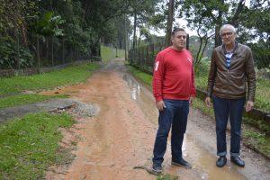 Etelvino pede alargamento da Estrada do Pilão D´Água para crianças irem à escola