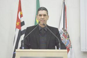 Guto Issa comemora verba do DADE para a construção da pista de skate
