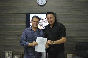 Rafael Marreiro se reúne com o Deputado Capitão Augusto para pedir apoio quanto à criação da Secretaria Municipal de Segurança Pública