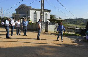 Vereador Etelvino leva Prefeito e Sabesp à Vila Lino para solução de falta de água