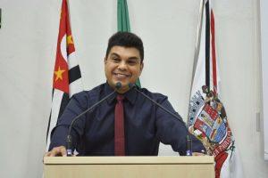 Vereador Rafael Tanzi fala sobre os trabalhos nestes seis primeiros meses de mandato