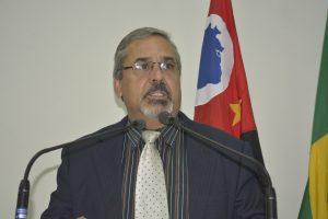 Julio Mariano comenta: Infelizmente a Educação em nosso país parece que deixou de ser prioridade!