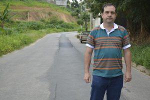 Alexandre Pierroni cobra Sabesp de má qualidade de reparo na R. Vereador Rodolfo Artur Salvetti