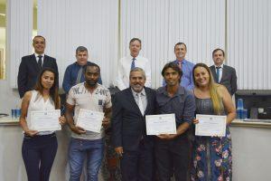 Integrantes do União Borussia Esporte Clube são homenageados pelo Vereador Julio Mariano em virtude das ações sociais desenvolvidas pelo time