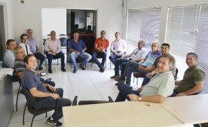 Vereadores se reúnem com Prefeito Cláudio Góes na Câmara para discutir problemas do município