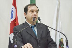 Vereador Alexandre Pierroni solicita melhorias nas escolas municipais localizadas no Cambará, Jd. Bandeirantes e Vila Aguiar