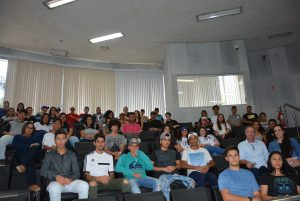 Alunos da escola Germano Negrini visitam a Câmara Municipal
