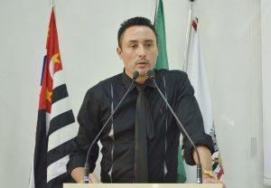 Vereador Rafael Marreiro pede melhorias nas escolas do município para volta às aulas