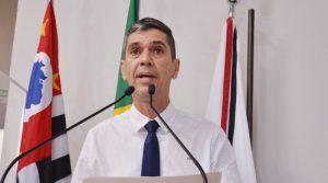 Guto Issa faz denúncia sobre venda de imóveis da Prefeitura abaixo do valor de mercado