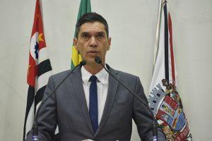 Vereador Guto Issa discorda de percentual do reajuste da passagem e de novo modelo de integração