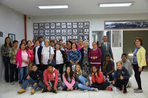 Participantes do CRAS Maylasky visitam a Câmara Municipal