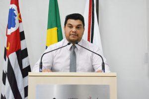 Vereador Rafael Tanzi cobra construção de escola para atender o Distrito de Maylasky