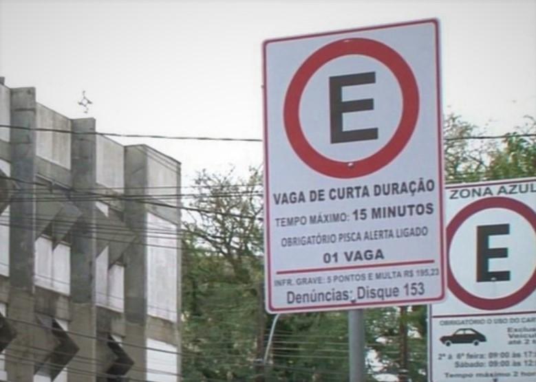 Vereador Julio Mariano quer implantar estacionamento de curta duração sem ônus para o motorista em nosso Município