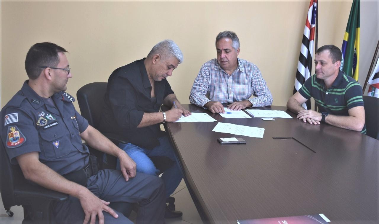 Cabo Jean consegue mais R$300 mil de recursos para o município através do Deputado Estadual Sargento Neri