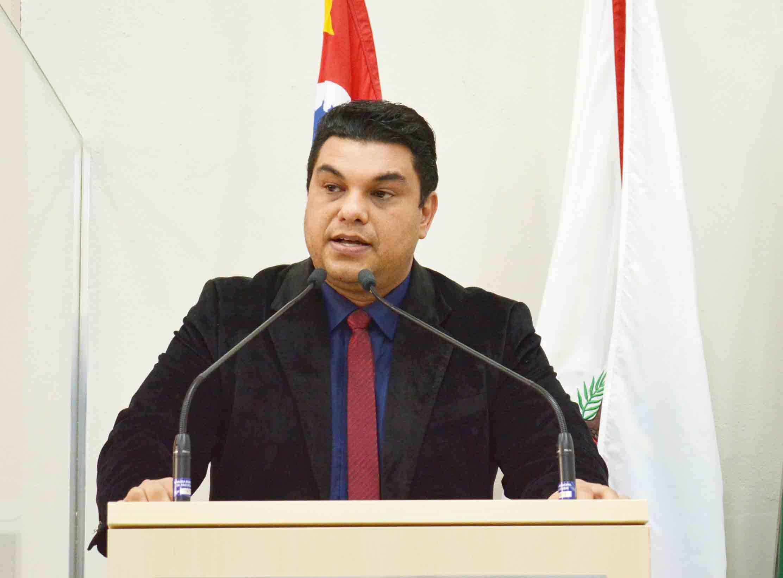 Vereador Rafael Tanzi reforça pedido para construção de uma nova escola em Maylasky