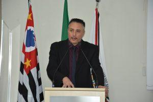 Vereador Rafael Marreiro questiona Departamento de Saúde sobre cirurgias de catarata