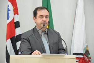 Projeto de Lei de Alexandre Pierroni que garante direitos de gestantes e parturientes é aprovado pela Câmara