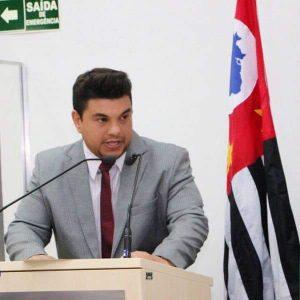 """Vereador Rafael Tanzi cobra manutenção de estradas de terra e operação """"tapa-buraco"""""""