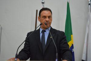 """Vereador Flávio Brito pede operação """"tapa-buracos"""" no Distrito de São João Novo e região"""
