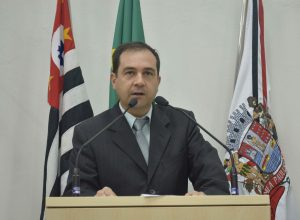Vereador Alexandre Pierroni fala sobre os impactos causados pela pandemia da COVID-19