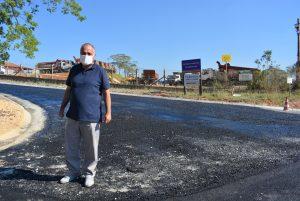 Vereador Maurinho Góes acompanha pavimentação da Estrada da Angolana