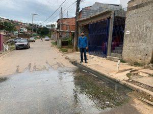 Vereador William Albuquerque cobra novamente a Sabesp para solução de esgoto a céu aberto no bairro Paisagem Colonial
