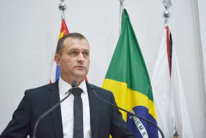 Vereador Cabo Jean solicita exoneração do Diretor de Saúde