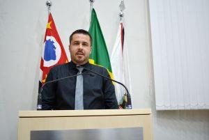 Vereador Thiago Nunes cobra melhorias na prestação de serviços de energia elétrica e água