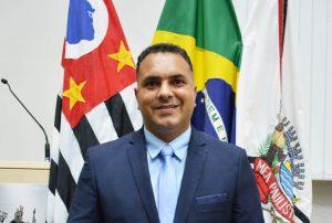 Vereador Clovis da Farmácia pede iluminação na Rodovia Engº Renê Benedito Silva
