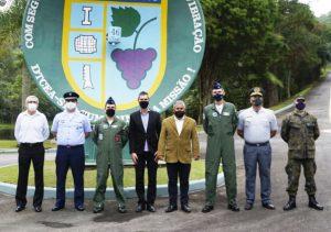 Vereador Julio Mariano homenageia Batalhão da Aeronáutica em São Roque (DTCEA-SRO) pelos seus 46 anos