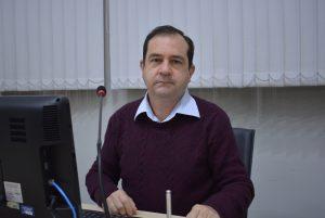 Vereador Alexandre Pierroni afirma que defende a retomada das aulas nas escolas municipais