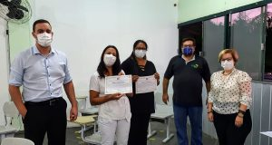 Vereadores homenageiam professores e estudantes da Enfermed que estão auxiliando o município no combate ao Coronavírus