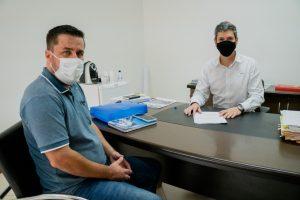 Vereador Thiago Nunes se reúne com o Prefeito Guto Issa para reivindicar melhorias em São João Novo