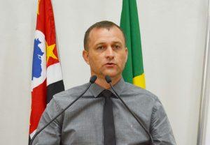 Por inoperância e ineficiência, vereador Cabo Jean reforça pedido de exoneração do Diretor de obras do município